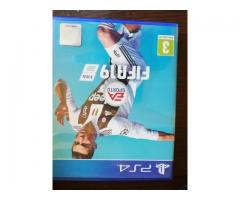 Vand Playstation 4 slim, 500 GB, 1 controller, FIFA 19